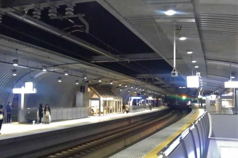 """【西宮市】阪神鳴尾駅で""""武庫女ジャック""""!?武庫川学院が、日本初の「高架下キャンパス」誕生に向けて、着々と進行しています。"""
