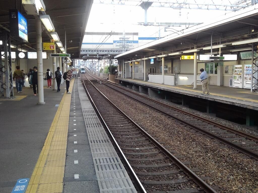 久寿川駅全景