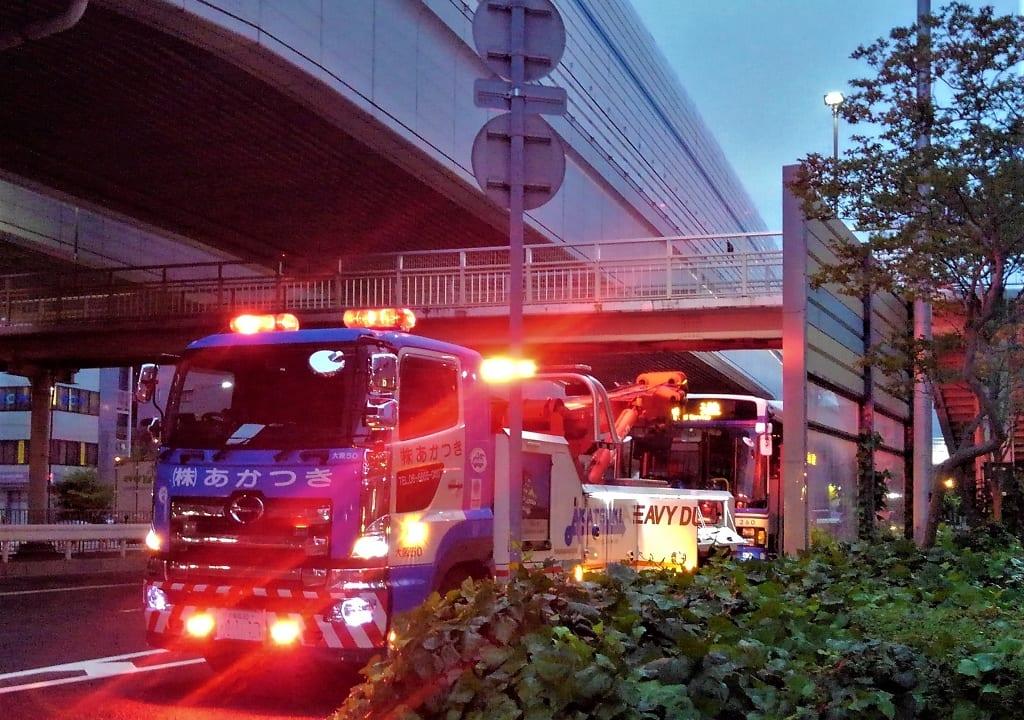 【西宮市】阪神バスが国道上で立ち往生!?営業中でなかったのが不幸中の幸いです。