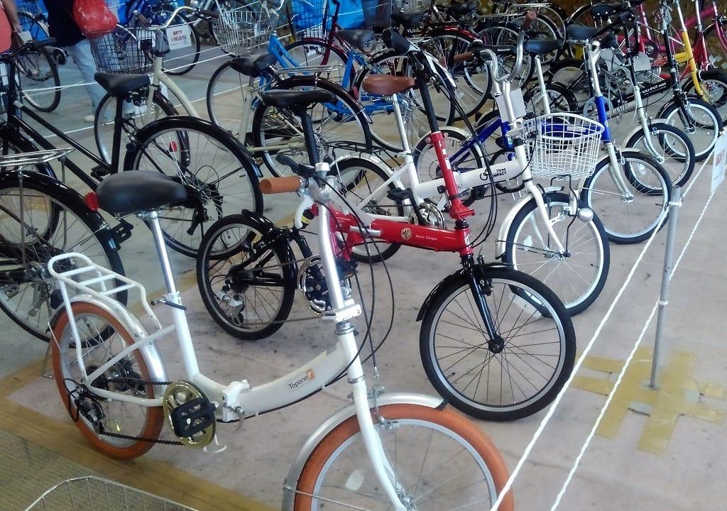 陳列中の自転車