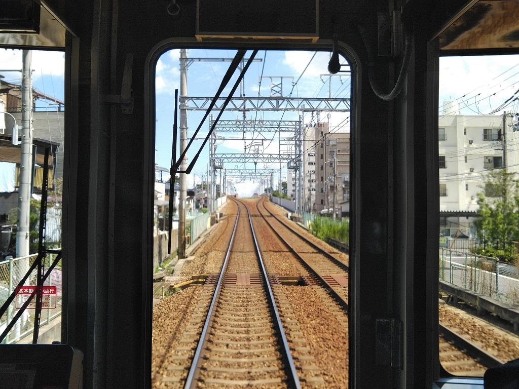中津浜線踏切の東